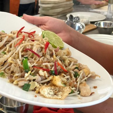 image of pad Thai made a corporate team building