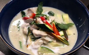 image of chicken Thia green curry