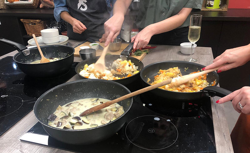 image of thai Green curry made at the Cookery school Manchester near Cheshire cooking