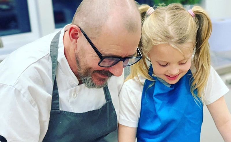 image of chef and child at big and little cooks