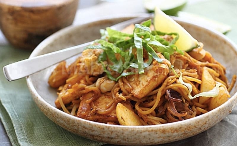 image of Mee Goreng Mamak things to do at the cookery school